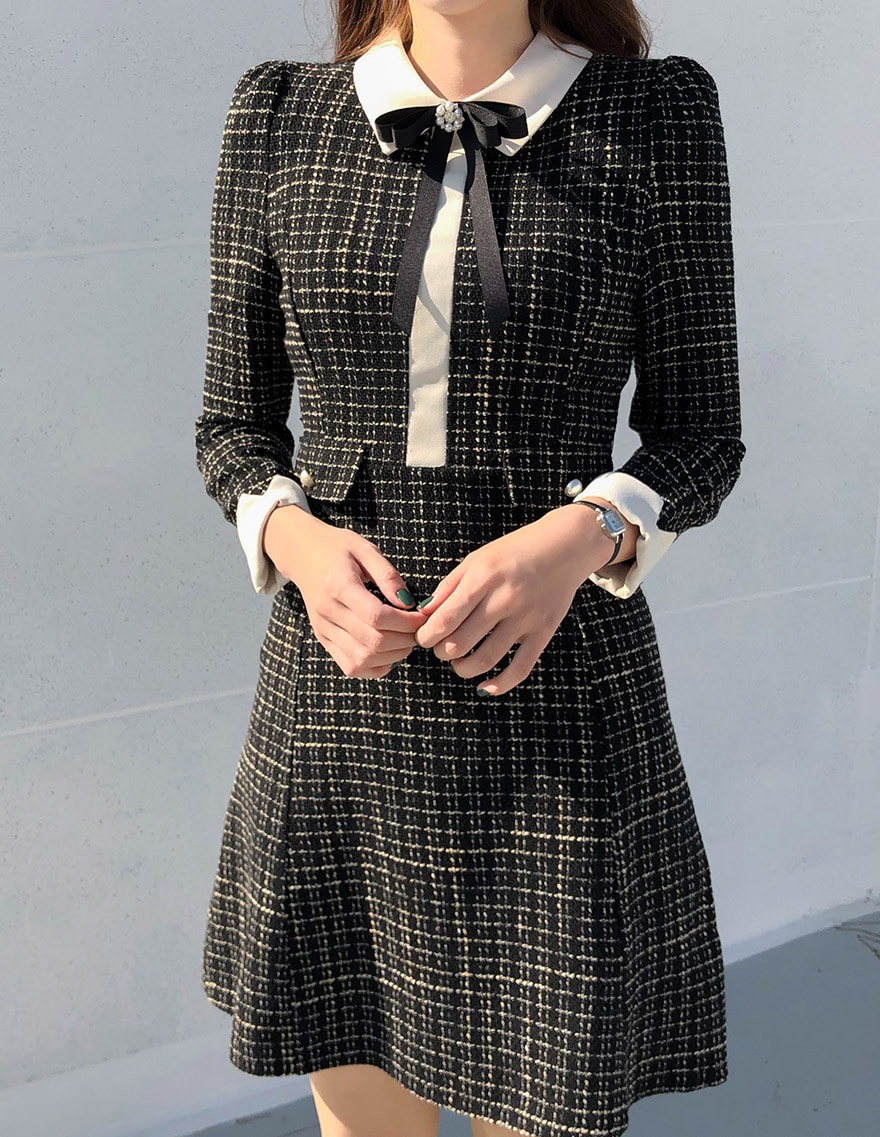 달리호텔 / Checked Tweed Ribbon Collar Dress