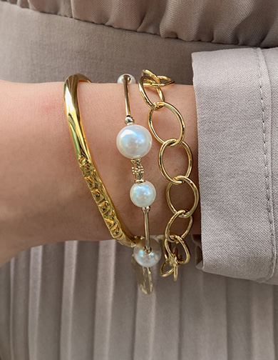 달리호텔 / Eight Pearl Bracelet