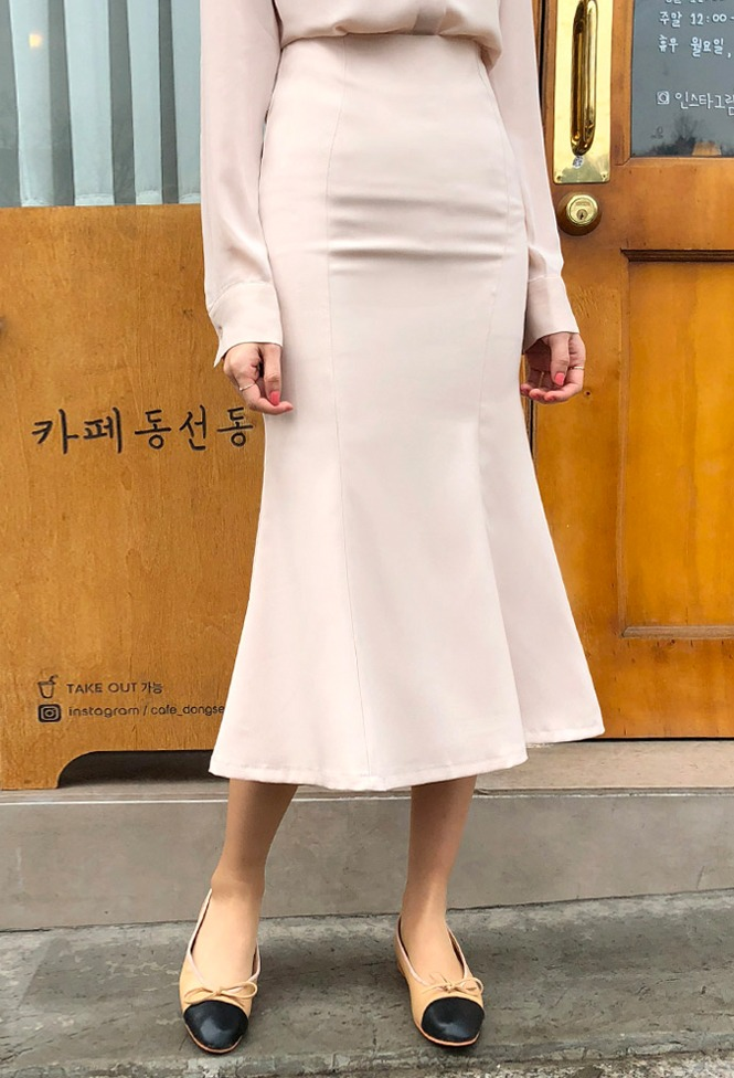 달리호텔 / Bodycon Mermaid Skirt