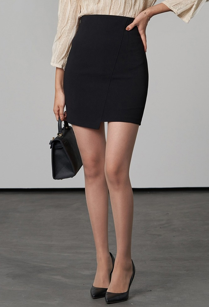 달리호텔 / Diagonal Slit Mini Skirt_H65876
