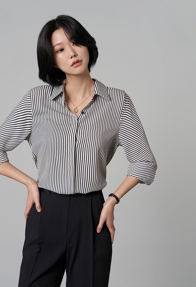 달리호텔 / Classic Striped Shirt Blouse_H65893