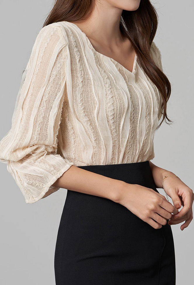 달리호텔 / Wave Lace Frill Blouse_H65874